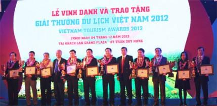 Lễ Vinh danh và Trao tặng Giải thưởng Du lịch Việt Nam 2012 (4/12/2013 tại Khách sạn Grand Plaza)